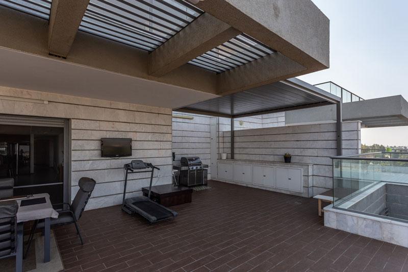 פרגולת אלומיניום למרפסת