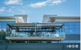 פרגולת אלומיניום חשמלית למרפסת