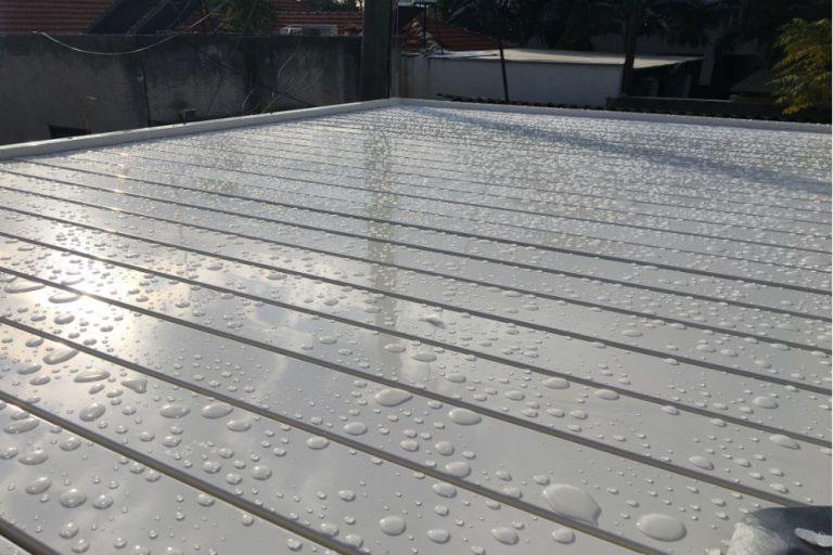 פרגולת אלומיניום נגד גשם